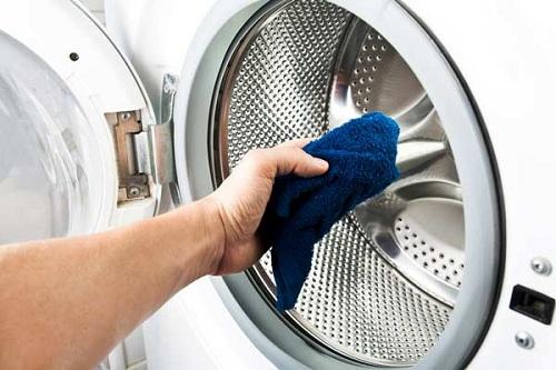 Hướng dẫn vệ sinh máy giặt cửa ngang Electrolux 7kg